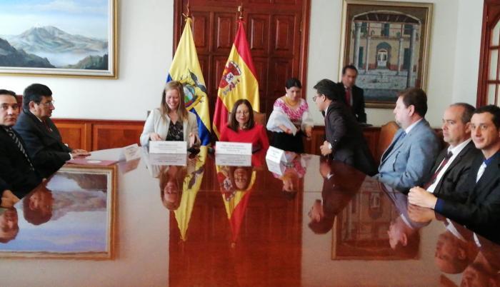 Programas de cooperación, canje de deuda con España