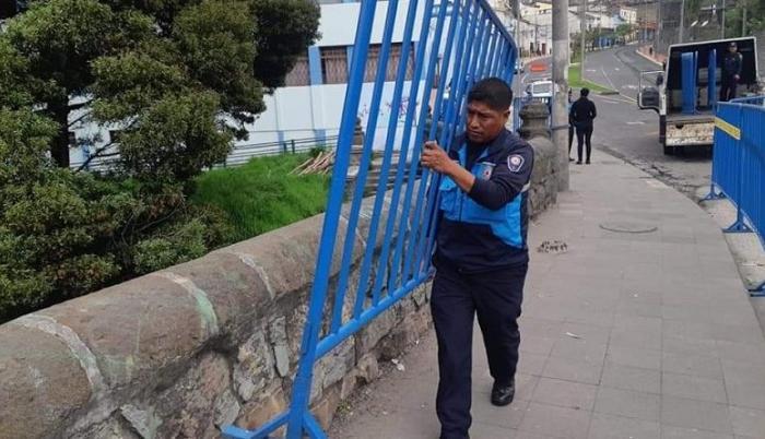 El puente Machángara se arma de seguridad