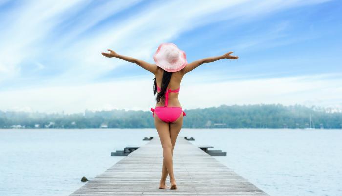 mujer en la playa