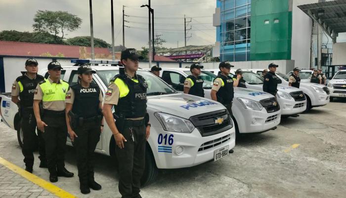 POLICIA CAMIONETA PLAN