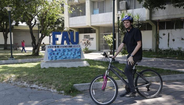 docente en bici