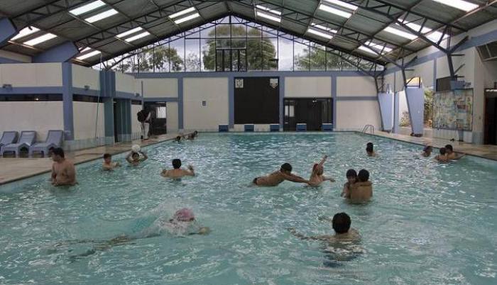 piscina miraflores quito