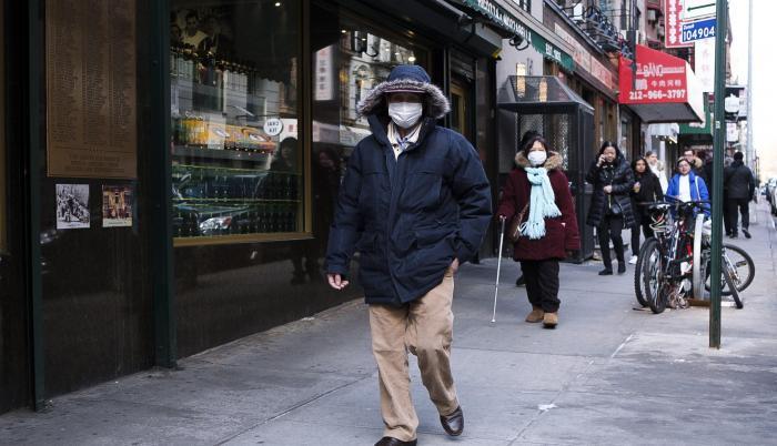 People Wearing Masks  (31314031)