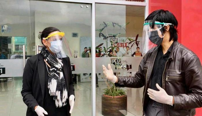 En Loja crean mascarillas 3D para frenar contagios de coronavirus. Tema: Freddy Inga.