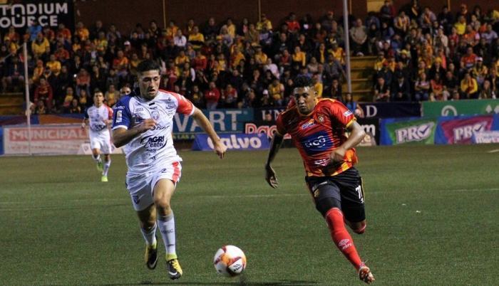 Costa-rica-fútbol-público