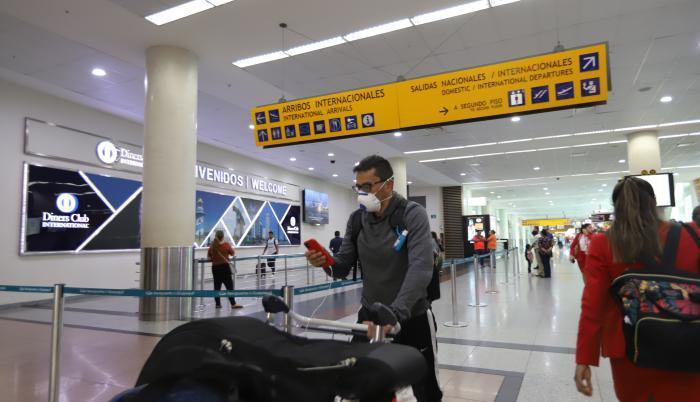 aeropuerto ecuador coronavirus referencial