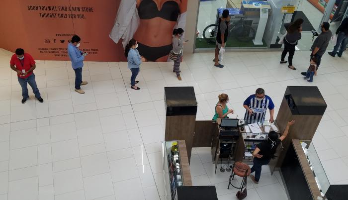 El Dorado+pandemia+filas+mall