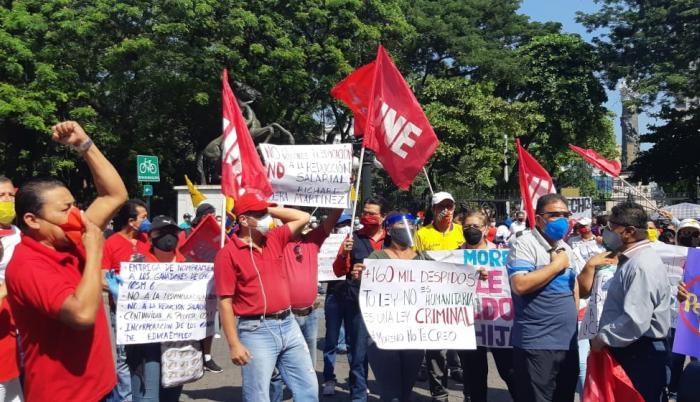 Protesta UNE Guayas en el Parque Centenario, 25 de mayo de 2020. Foto: Mariella Toranzos.