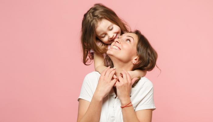 abrazo de mama