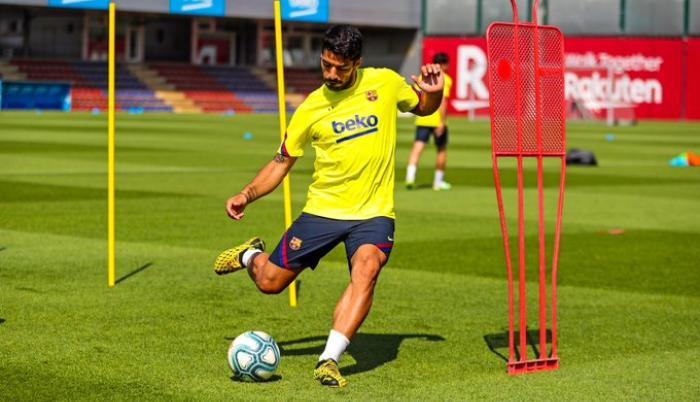Luis-Suárez-Barcelona-entrenamiento-LaLiga-hinchas-estadios