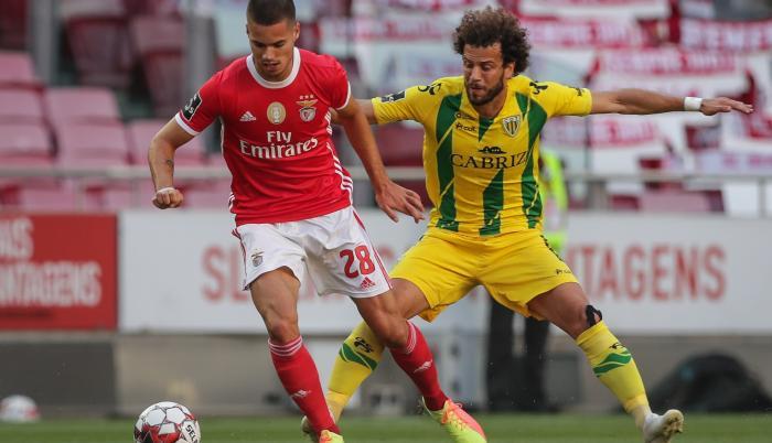 Benfica+Fútbol+Portugal+Ataque+Hinchas