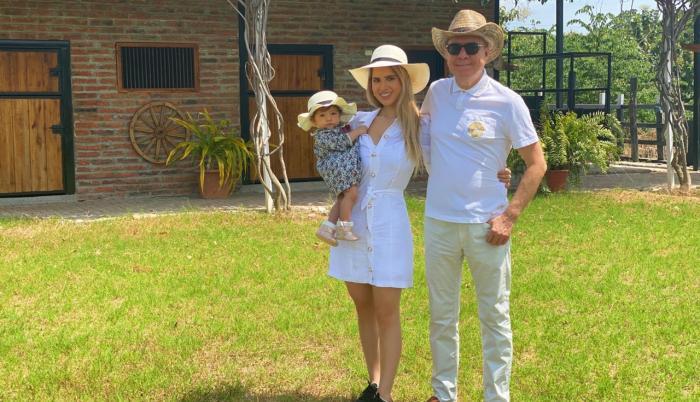 Vito Muñoz con su familia.