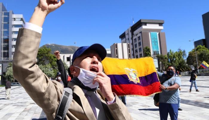 Protestas-trabajadores-maestros-Moreno