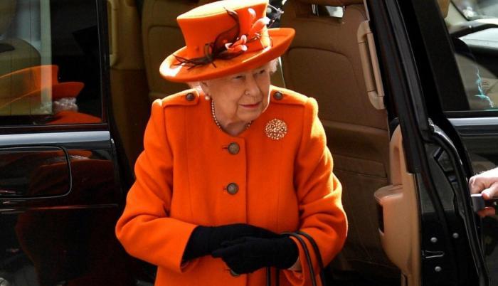 Reina Isabel.