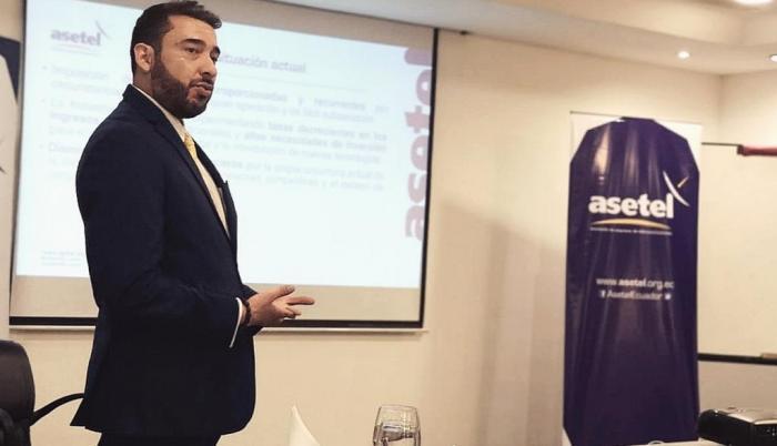 Jorge Cevallos+asociación de empresas telecomunicación