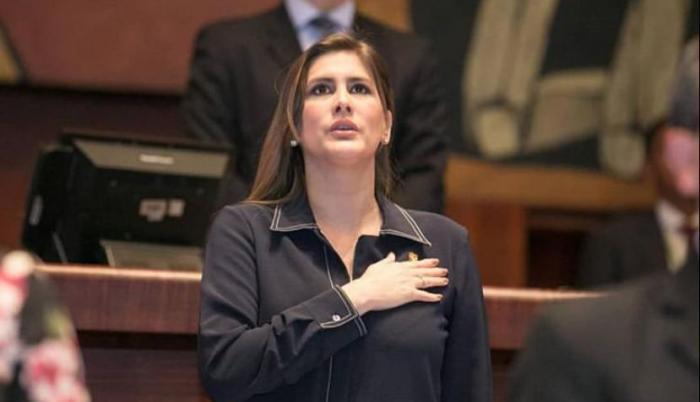 Cristina Reyes anuncia su precandidatura para las elecciones 2021.