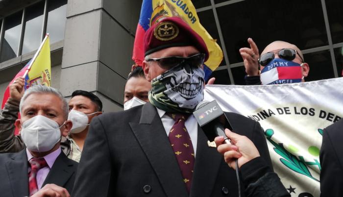 militares denunciaron al ministro Richard Martínez