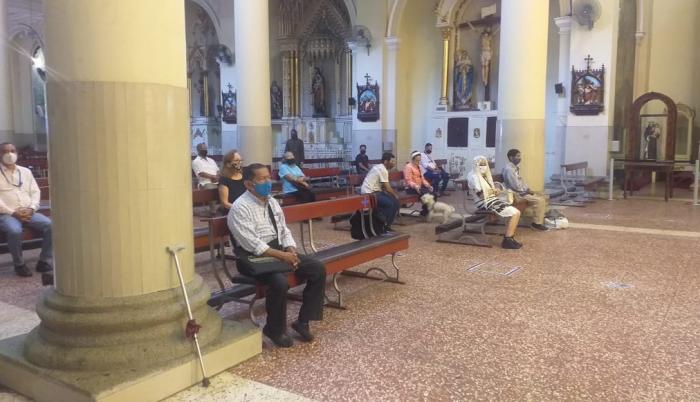 Iglesia San Francisco de Guayaquil fue la primera en reanudar misas en la ciudad. Fecha: 14 de julio de 2020.