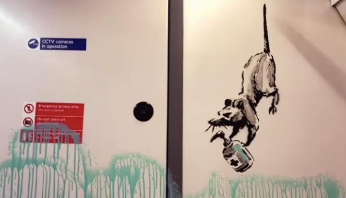 banksy-graffiti-metro-1