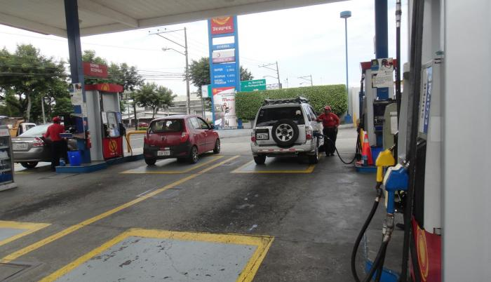 Estación. En mayo el precio de la gasolina súper fue de 2,99 dólares, mientras que en abril fue de $ 2,69.