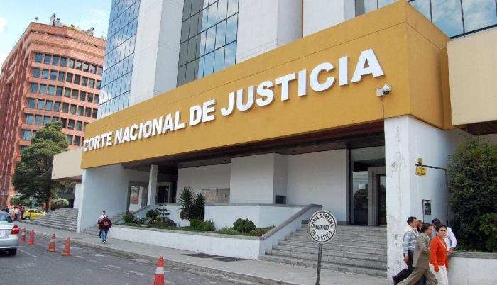Los jueces y conjueces en mención pertenecen a la Corte Nacional de Justicia.