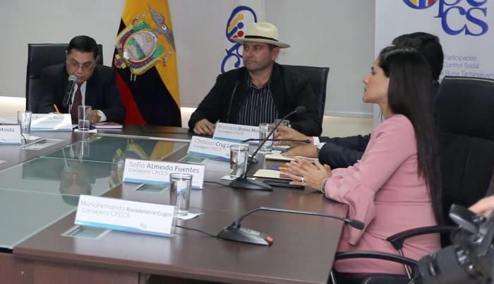 Actualmente, Francisco Bravo reemplaza a Rosa Chalá, destituida por la Asamblea.