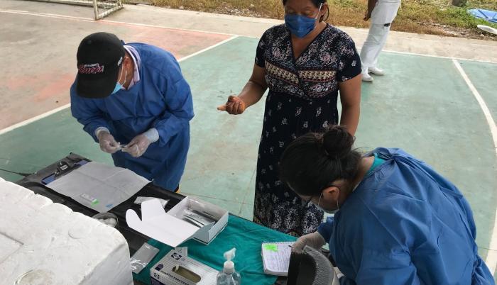 Foto subida otra vez_ Médicos en zona rural Orellana.