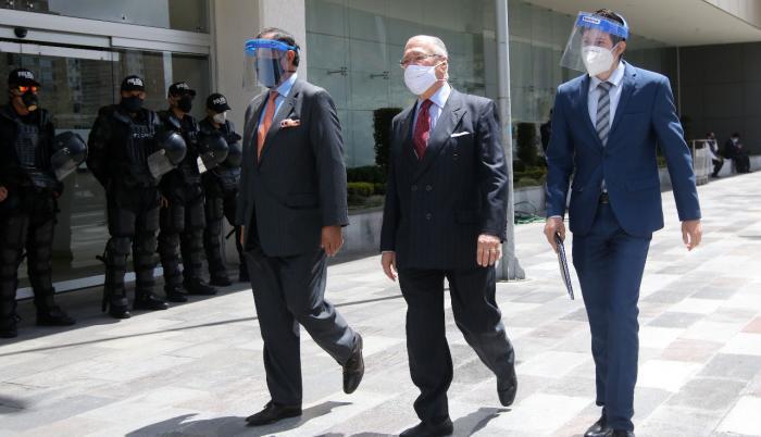Juan Falconí Puig llegó al Complejo Judicial.