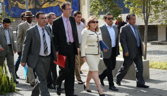 La vocal Zobeida Aragundi (c) fue a la Fiscalía a insistir en la apertura de investigaciones previas para operadores de justicia que habrían incurrido en anomalías durante el trámite de procesos judiciales a personas que se dicen perseguidos políticos del