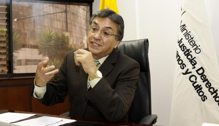 Ernesto Pazmiño es doctor en Jurisprudencia y docente de la Universidad Simón Bolívar.