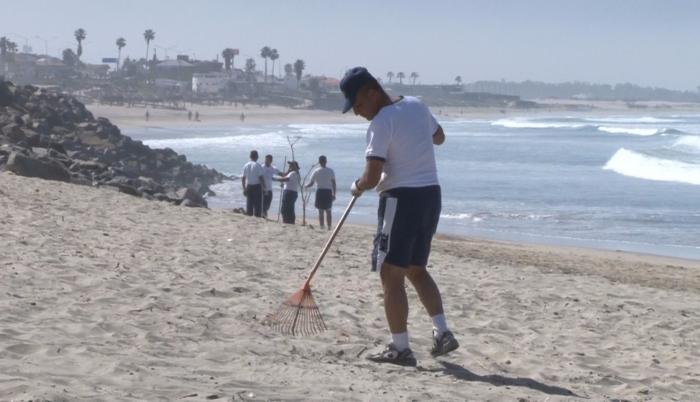 Imagen referencial. Limpieza de las playas.