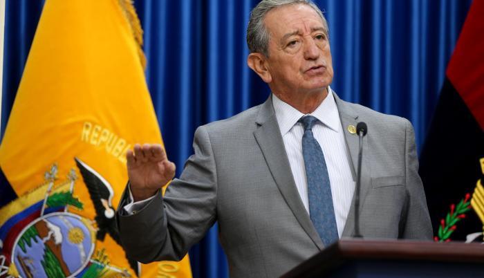 Jarrín tuvo otro periodo como ministro de Defensa, entre 2005 y 2006.
