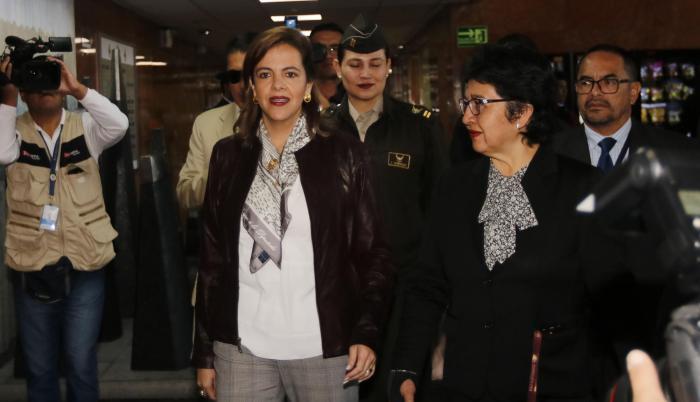 Reunión. La ministra  María Paula Romo ha visitado la Asamblea para tratar la elección del vicepresidente