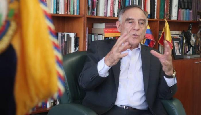 Paco Moncayo busca retornar a la alcaldía de Quito con un plan estratégico
