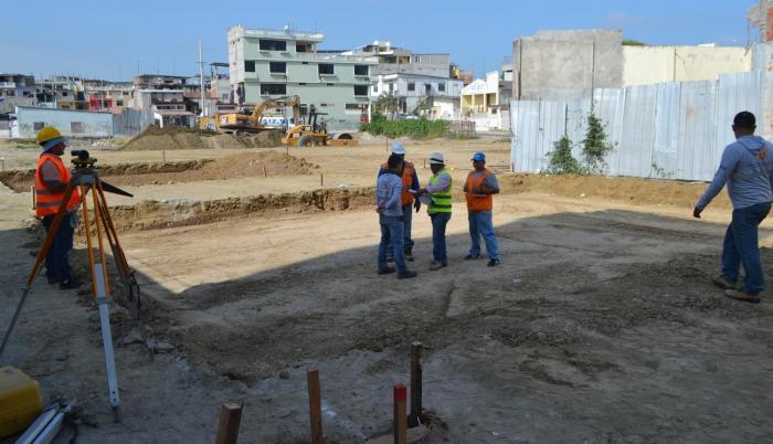 Imagen de archivo. Reconstrucción de calles en Manta.