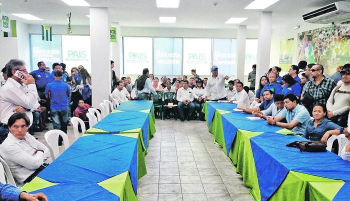 Las elecciones primarias para alcaldes y varios concejales del Guayas reunieron la semana pasada a los dirigentes del movimiento PAIS en la sede principal de Guayaquil. Será en otro proceso similar en estos días en el que será proclamado y ratificado el b