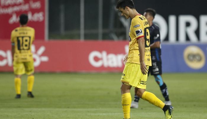 Referencial. Barcelona se fue con la derrota frente a Independiente.