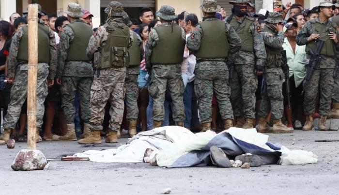 Hecho. Dos hombres y una mujer fueron asesinados en la calle tras un rumor de secuestro.