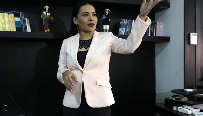 Diana Atamaint también fue parte del CNE Transitorio que antecedió al definitivo.