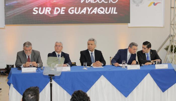 Guayaquil. El presidente (c) lanzó ayer el concurso público para la obra.