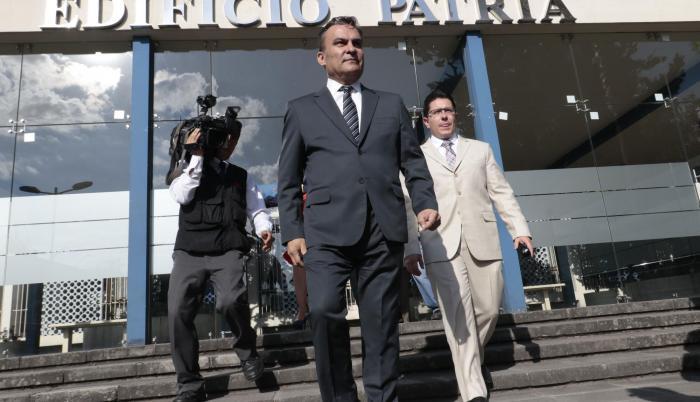 Diligencia. El exministro del Interior José Serrano dio una versión en el caso de delincuencia organizada.