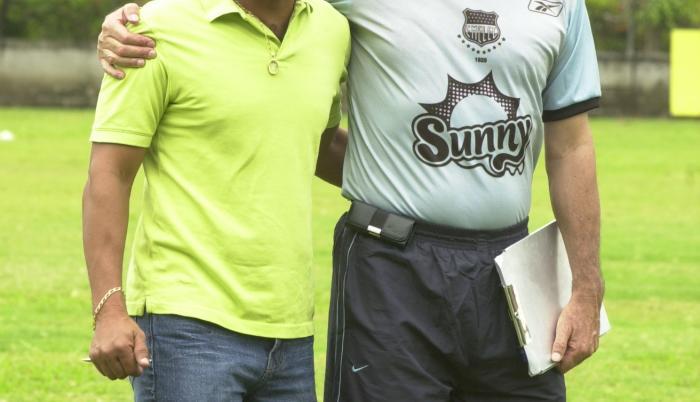 Humberto Pizarro fue asistente de Carlos Sevilla en Emelec, en 2007.