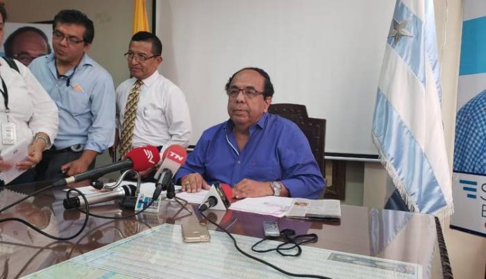 Rosero anunció su decisión mediante una rueda de prensa.