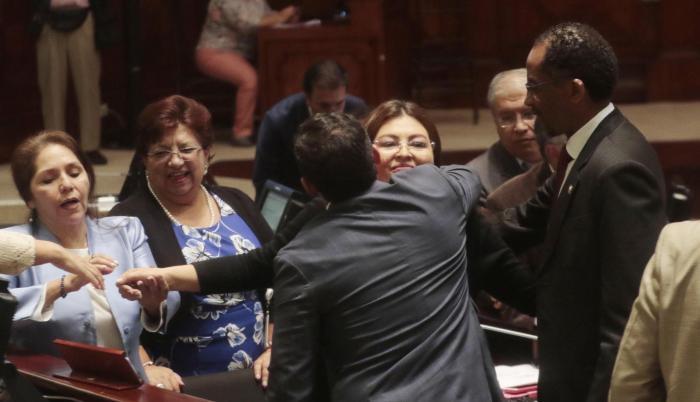 Sofía Espín, una de las férreas simpatizantes de Rafael Correa en la Asamblea, negó todas las acusaciones del ministerio de Justicia sobre su visita a la exagente de Inteligencia, Diana Falcón.