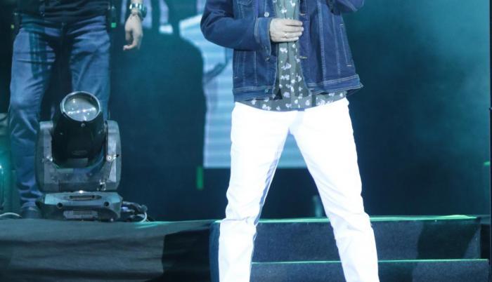 Andrés Cepeda ofreció un concierto en el coliseo Voltaire Paladines Polo, la noche del jueves 18 de octubre.