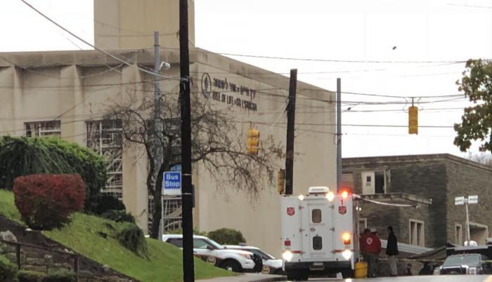 11 personas habrían fallecido tras el tiroteo registrado en Pittsburg.