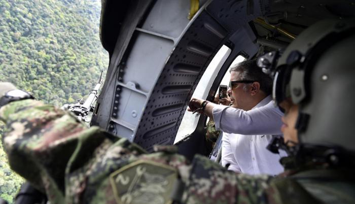 Medidas. El presidente colombiano sobrevoló el pasado sábado la zona donde fue asesinado Guacho.