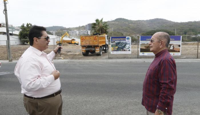 Trabajos. Delgado y Cañizares, de Puerto Azul, señalan que en el sitio ya se está removiendo la tierra.