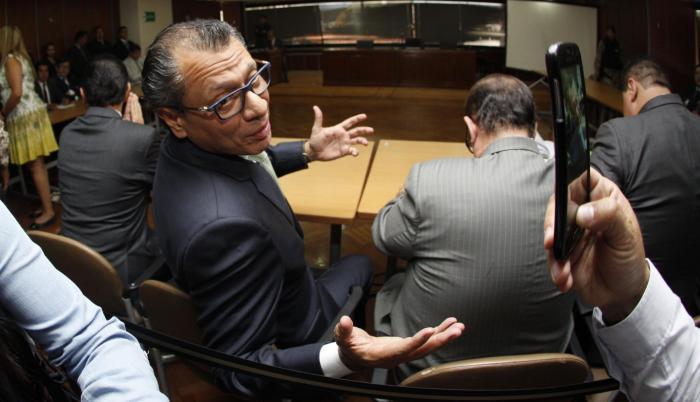 Jorge Glas había sido electo junto a su Moreno para el período de 2017 - 2021.