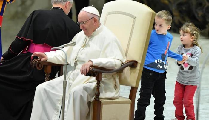 """El papa afirmó que se necesitan """"constructores de la paz""""."""